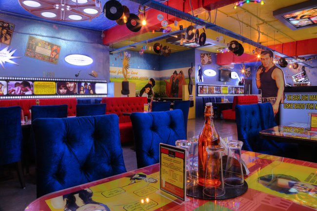 Filmy Flavors theme cafe noida roomsoom