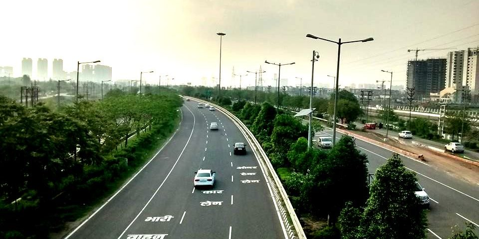 Affordable places on rent in Noida Roomsoom
