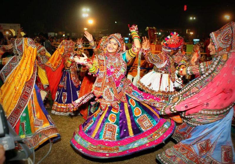 garba dance by gujarati ladies.. Celebration of dussehra