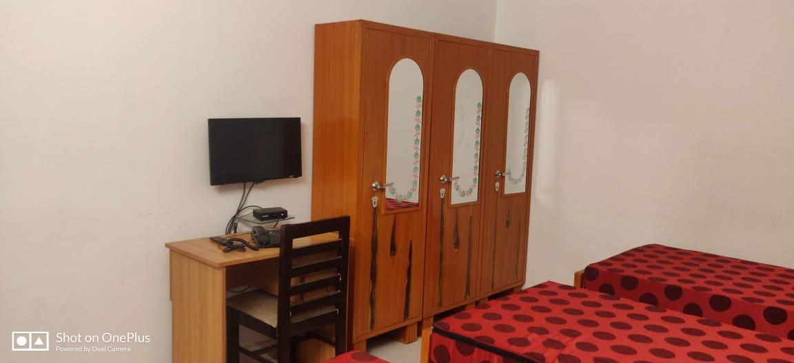 RSMBANC594  7 Hills GIRLS PG  in Electronic City Phase 1, Bangalore at 6500